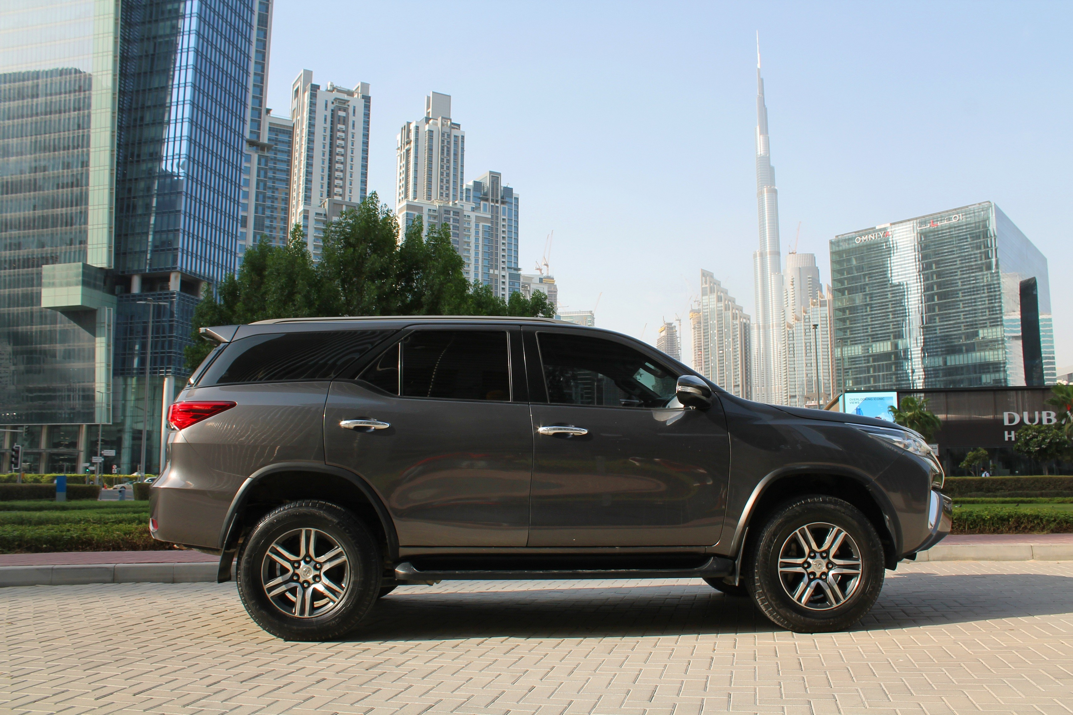 https://quickdrive.ae/uploads/2020/07/22/2 fortuner.jpg