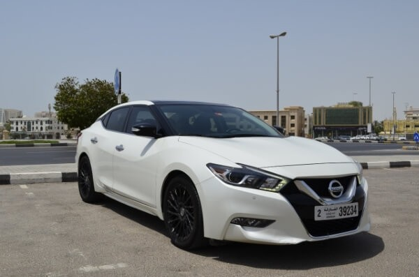 https://quickdrive.ae/uploads/2021/02/12/nissan-maxima-2017.jpg
